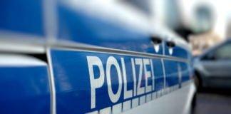 Polizeiauto am Strassenrand