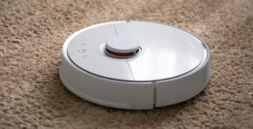 robot-vacuum-cleaner-5073580_1920 (1)